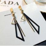 Cercei femei placati cu aur 14k Triunghiul Bermudelor Black