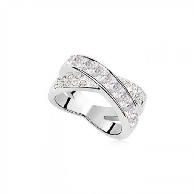 Silver ring with Swarovski Crossing Destiny elements