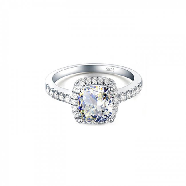 Silver engagement ring with SW Destiny Diamond elements
