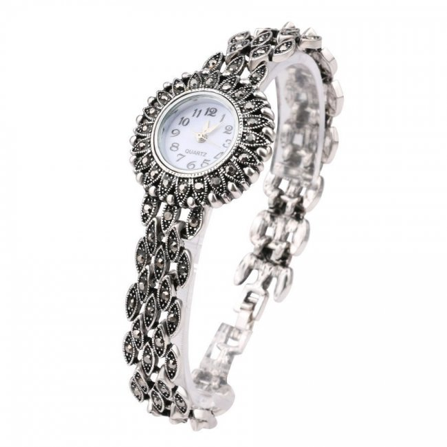 Women's watch with Sense markers